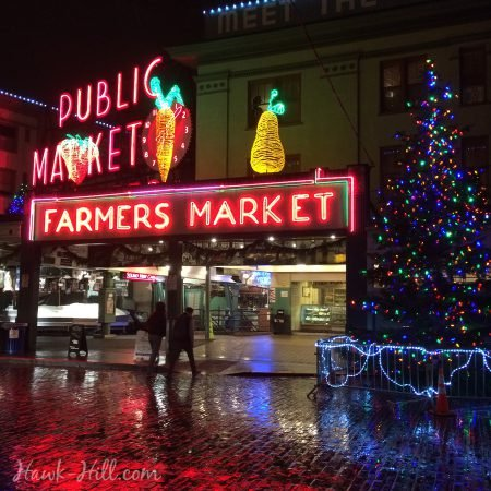 christmas lights at pike place market