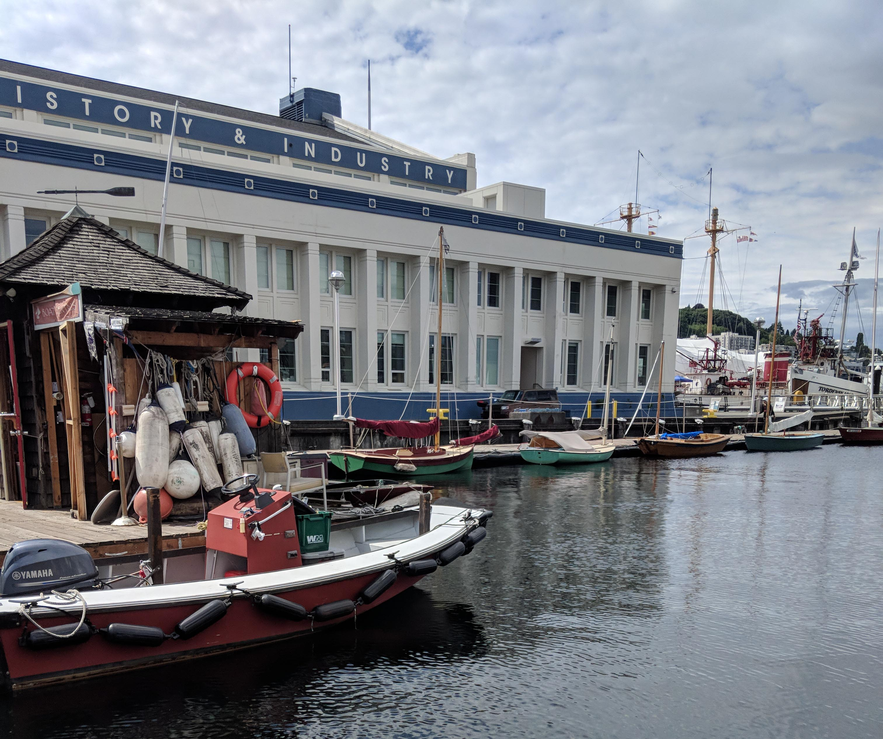South lake union's center for wooden boats