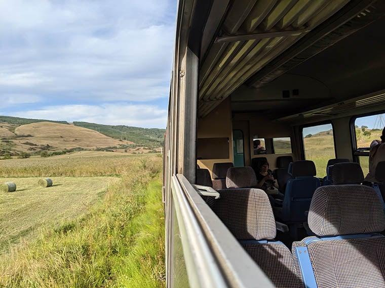 HH romania train 98