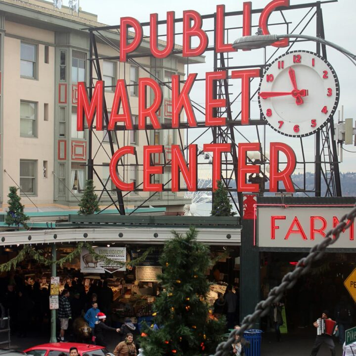 Most instagrammable spots at Pike Place Market in Seattle, WA - and how to find them