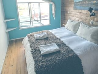 tips to boost bookings and reviews of your airbnb listing