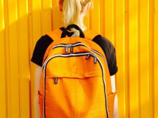 how to choose a daypack backpack for easy city exploring and hiking while traveling