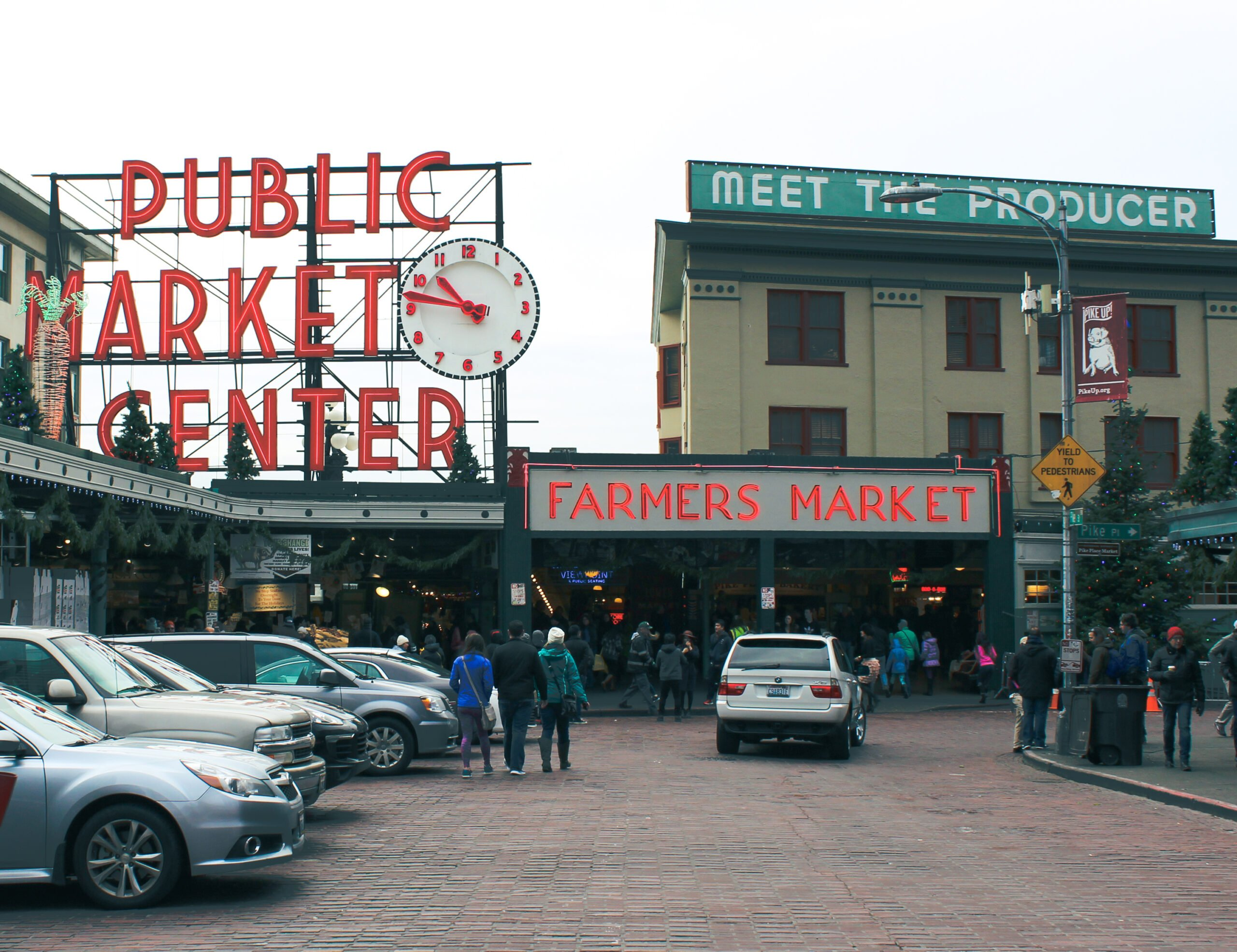 Pike place market entry decorated for christmas.
