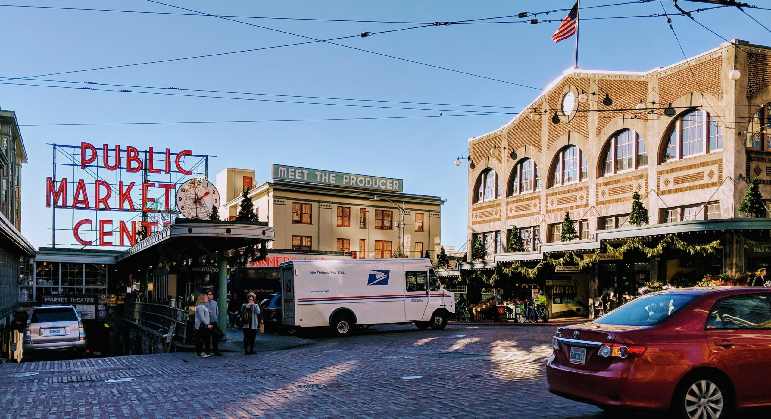 Pike place market's entrance.
